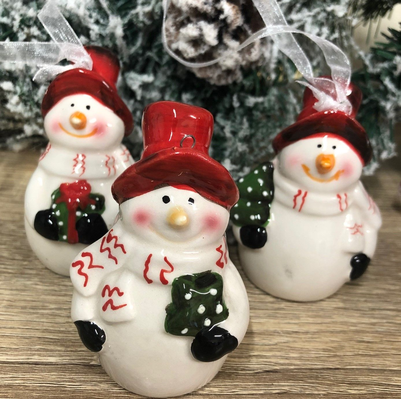 Ceramic Christmas Tree Decorations.Snowman Hanging Ceramic Christmas Tree Decorations Set Of 3